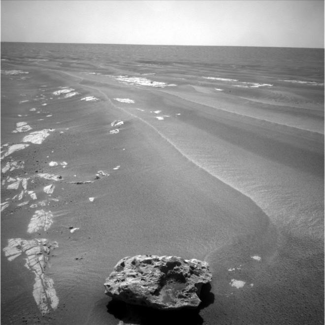 Meteorite on Mars: Block Island Iron meteorite-opportuntity-rover