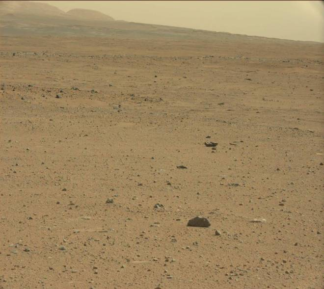 Mars landscape as seen by the Curiosity rover as it travels toward the base of Mt. Sharp in Gale Crater. Image credit: JPL/NASA-CalTech