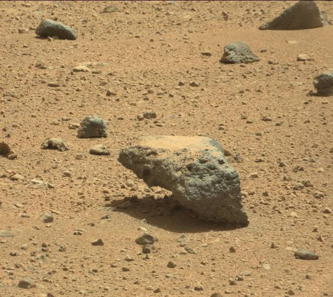 A closer look at a rock that appears to defy gravity on the surface of Mars. Image credit: JPL/NASA-Caltech