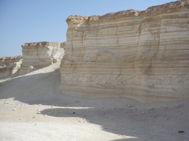 At least two earthquake seismites can be seen here in set of sediments that were deposited far above the Dead Sea. These are Lake Lisan deposits and thus represent sediment from well over 40,000 years ago.  Even then there were earthquakes. Austin and other creationists need to account for the evidence of earthquakes in deposits that they claim were formed over very very short periods of time.  Image by Christoph Gruetzner  http://www.panoramio.com/photo/30392734
