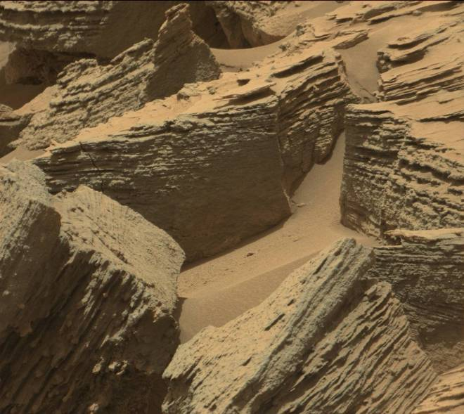 Curiosity Rover Update: Driving into a Sedimentary ...