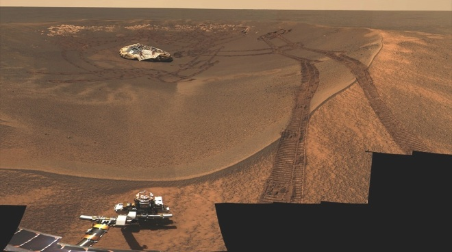 Looking back at Opportunities landing craft sitting in the tiny Eagle crater.  Image: JPL/NASA-CalTech