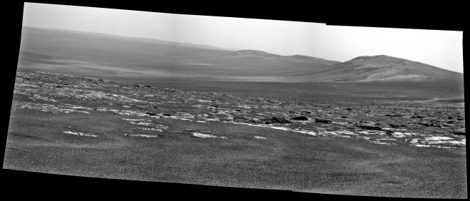 A look into the Endeavour crater soon after arriving. Image: NASA:JPL-Caltech