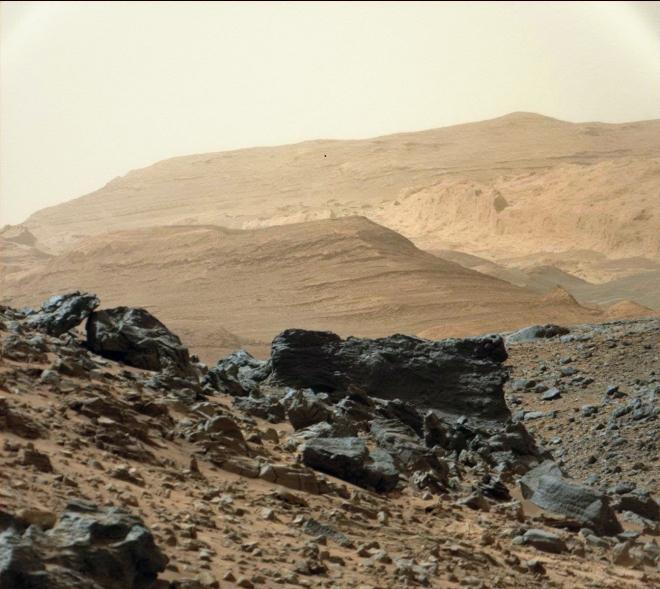 curiosity-mars-foothills-Mt-sharp-fixed0952MR0041900030502087E01_DXXX