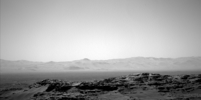 Image taken by the Curiosity rover in Gale crater on Mars. In the distance is the rim of the crater. Image: NASA / JPL-Caltech / Malin Space Science Systems